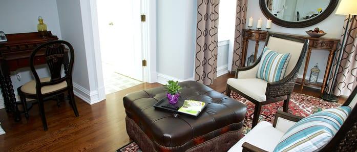 Salon in Hoyt Suite